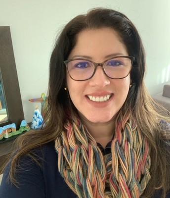 Comozcan a  Patricia Movilla-Leal, nuestra nueva Bilingual Community Liaison.