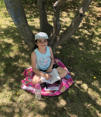 3G Reading in the shade