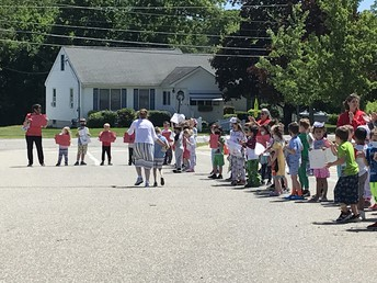 AES 4th Grade Parade
