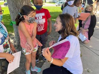 Lincoln kindergartners present book reports
