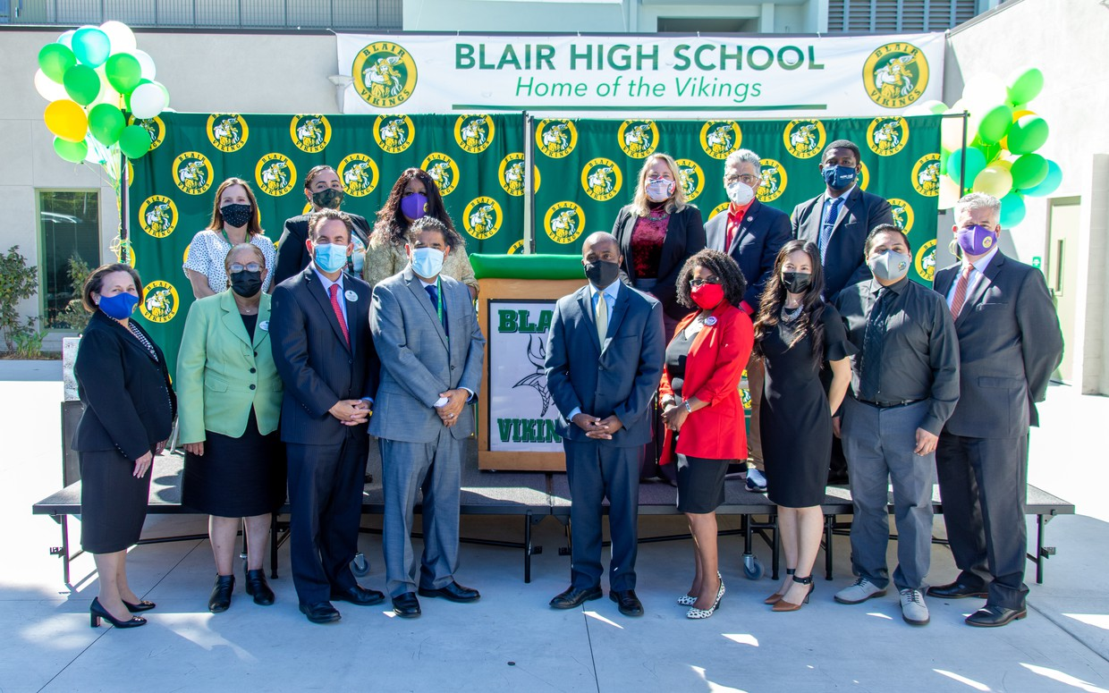 Group photo of Pasadena Unified School District dignitaries with CA State Superintendent of Public Education Tony Thurmond during his visit to Blair School on Thursday, September 30th, 2021