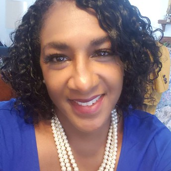 Lisa Straughter