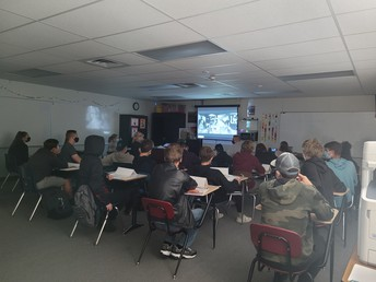 AC HS Students Appreciating Picasso with Ms. Czo