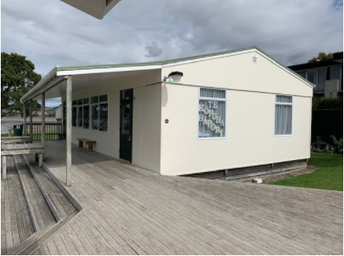 Community Bach - Te Kōpuha Hāpori