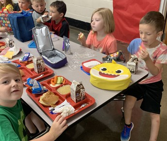 1st Grade lunch