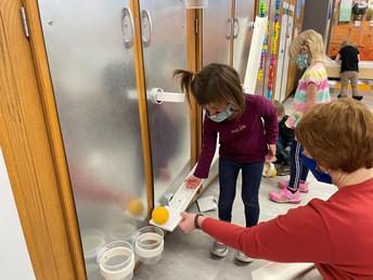 Preschoolers exploring physics and engineering