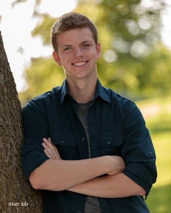 Schuster's Farm Scholarship