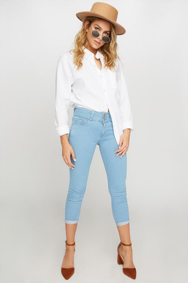 women-skinny crop jeans