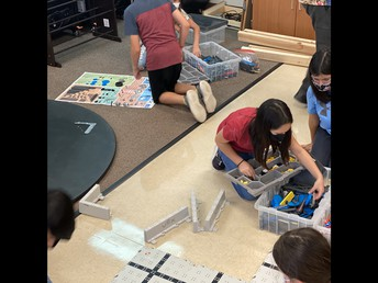 CCE Robotics Club for 4th/5th Graders is Underway!