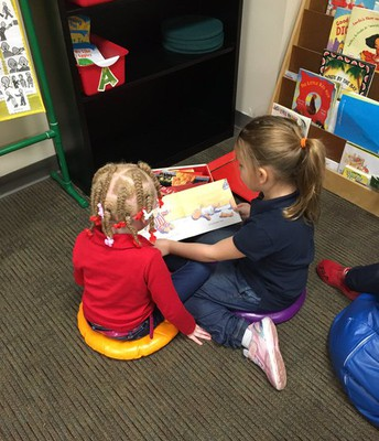 Buddy Reading in Kinder