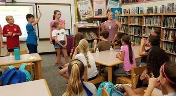 Peer Mentors Attend Training
