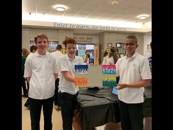 8th graders present culminating Art project