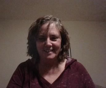 Ms. Calvello - 2nd Grade Teacher / Sra. Calvello - Asistente de programa de 2do grado