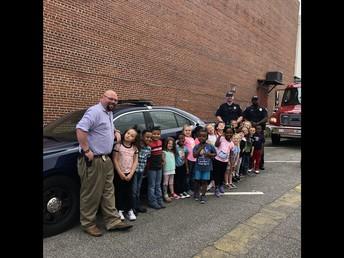 The Hogansville Elementary Pre-K Students Enjoy a Walking Field Trip