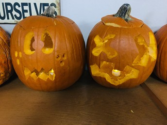 More APEX pumpkin carving!