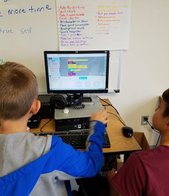 Students Coding with Ozoblockly