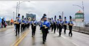 Band Marches on - Online
