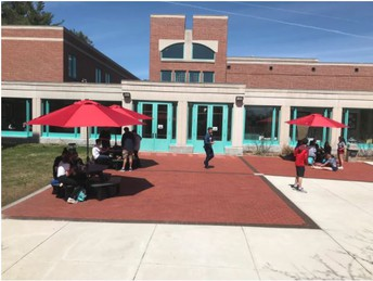 Student Government Adds New Tables and Umbrellas