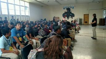 8th grado visitando Jordan HS