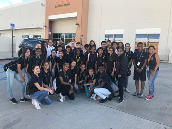 IB Ambassadors Work to Feed South Florida