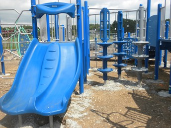 Smaller chutes for wee ones