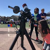 SRES Hosts Cool Science Day