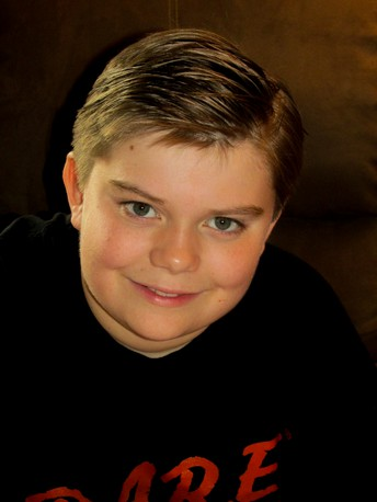"7th grade student takes the lead in ""A Christmas Story"" at Encore Theater"