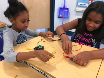 Our Electrical Engineers are hard at work in grade 4!