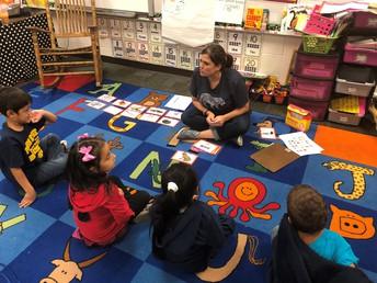 Kindergarten Phonics Lesson\Lección de fonética de kindergarten