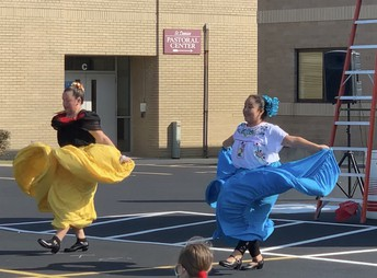 Traditional Mexican Dancing!