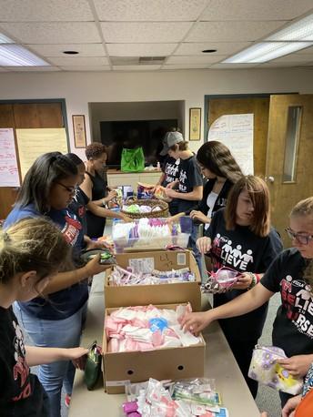 Rutland FCCLA Members Volunteer at Macon Periods Easier