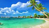 El jueves llegamos a la Isla Magica y disfrutamos de sus arenas blancas y mar turquesa