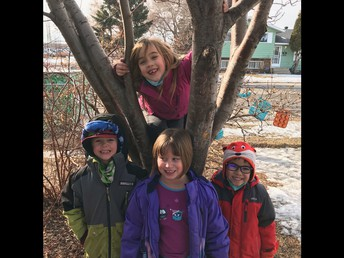Outdoor play with 1/2F