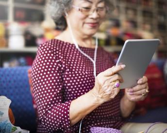 Seniors' Cafe: Tech Talk