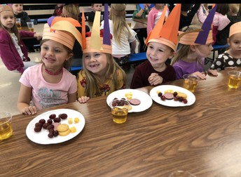 Kindergarten had a Yummy Thanksgiving Feast!