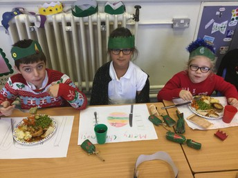 Fraser, Madison and Robyn design their own table mat