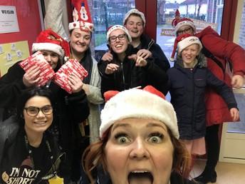Singing Santa's