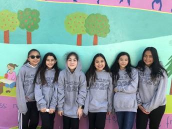 5th graders at Mural