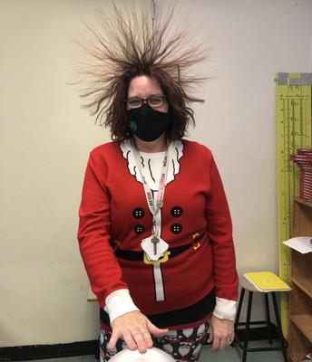 Ms. Etchegary vs. Van de Graaff generator