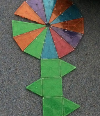 Flower with Magna-Tiles