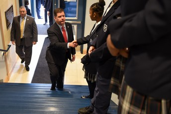 Student Ambassador, Tamantha from grade 8, welcomes Mayor Walsh!