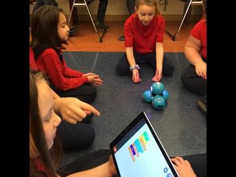 """3rd Grade Learns """"Dash Robot"""""""