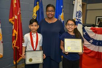 Ganadores del Concurso de Ensayos del Día de los Veteranos