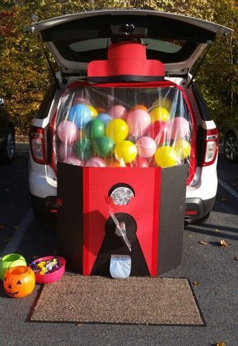 SPOOKY SERVICE: TRUNK OR TREAT