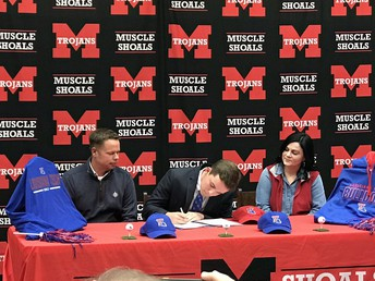 Hunter Battles signs letter of intent to play golf at Louisiana Tech