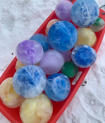 Outdoor fun with ice globes!