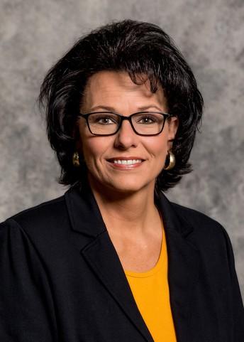 Tracey Erickson, SDSU Dairy Extension Field Speicialist headshot