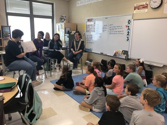 Gators of the Week:  American Government Students Read Books to Elementary Students