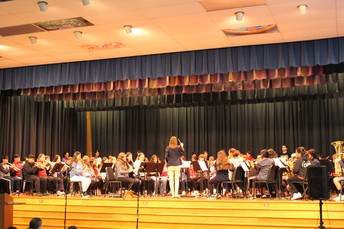 MA Grade    7 & 8 Band Performs