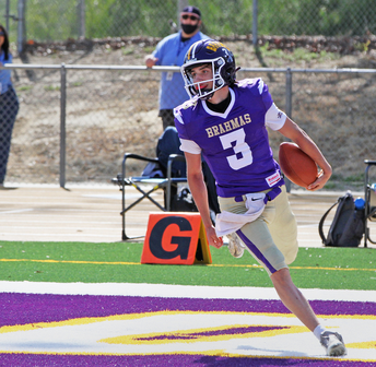 QB - Maddox Bernardino #3 for the touchdown!